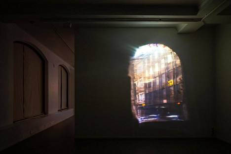 Salla Myllylä & Laura Vainikka, installaatiokuva näyttelystä Clauden huone.