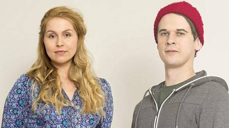 Sarjassa tutustutaan myös Suvianne Ollankedon (Esse Héllen) ja Tuomas Riihelän (Samuli Niittymäki) elämään.