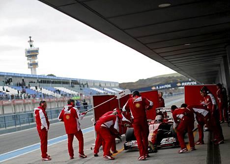 Ferrarin vauhti oli parasta myös Jerezin testien toisena päivänä.