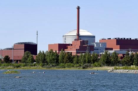 Olkiluoto 3 sijaitsee Eurajoella kahden käytössä olevan reaktorin vieressä.