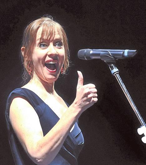 Suzanne Vegan taso pitää uudella levyllä. Kuva keikalta Ostravasta Tšekin tasavallasta marraskuussa 2012.