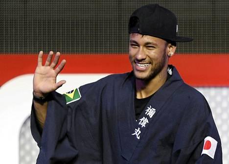 Neymar on takaisin Barcelonan harjoituksissa.