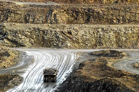 Talvivaaran avolouhoksella louhittiin malmia vielä marraskuun alussa 2013.