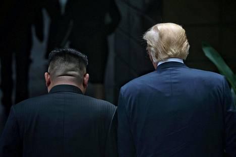 Pohjois-Korean Kim Jong-un ja Yhdysvaltain Donald Trump tapasivat Singaporessa tiistaina.
