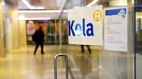 Korkeakouluopiskelijoiden terveydenhoitomaksun periminen siirtyy tammikuun alussa Kelan hoidettavaksi. Kelan Kampin toimipiste Helsingissä maaliskuussa 2017.
