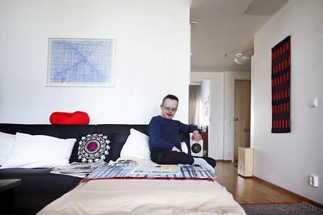 Valtteri Poitsalo asui vammaisille tarkoitetussa Käpytikka-talossa vuonna 2015. Helsingin sosiaali- ja terveyslautakunta käsittelee kehitysvammaisten ja autismin kirjon henkilöiden asumispalvelujen kilpailutuksen ehtoja tiistaina.