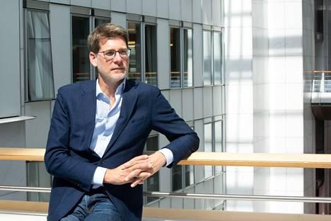 Ranskalainen Pascal Canfin johtaa Euroopan parlamentin ympäristövaliokuntaa, joka on isossa roolissa ensi kesänä, kun EU:n ilmastosääntelyn uudistaminen alkaa.