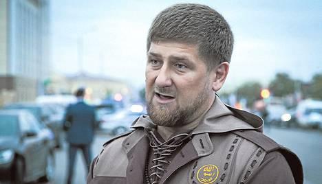 Tšetšenian johtaja Ramzan Kadyrov on puolustanut paikallisen poliisipäällikön moniavioisuutta voimakkaasti.