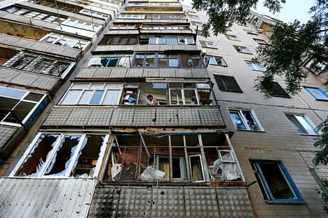 Tulituksessa tuhoutunut asuintalo Slovjanskissa Itä-Ukrainassa.