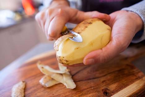 Haluatko vähentää ruokahävikkiä? Yksi vinkki sopii jokaiselle: ruoka-aineita tulisi säilyttää jääkaapissa oikein.