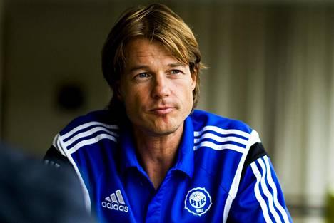 HS:n tietojen mukaan HJK:n valmentajan Mika Lehkosuon valmennuspestin jatkuminen on epävarmaa.