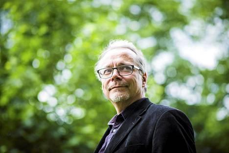 Erikoislääkäri Juhana Piha kiistää viime aikoina esitetyt näkemykset, joiden mukaan miesten testosteronihoito lisäisi sydän- ja aivoinfarktin riskiä.