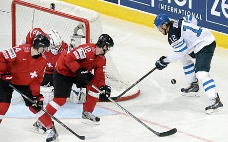 Jokinen sai maalitilinsä auki Sveitsi-ottelussa.