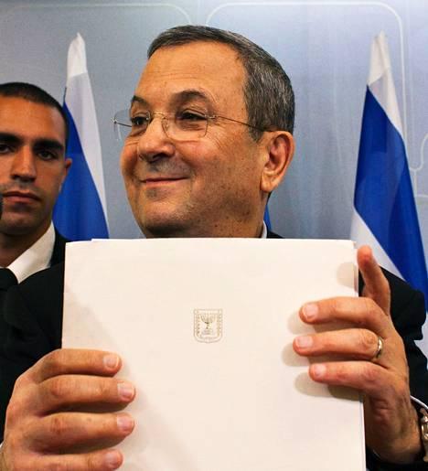 Kokenutta Ehud Barakia on pidetty maltillisena poliitikkona kovan linjan hallituksessa.