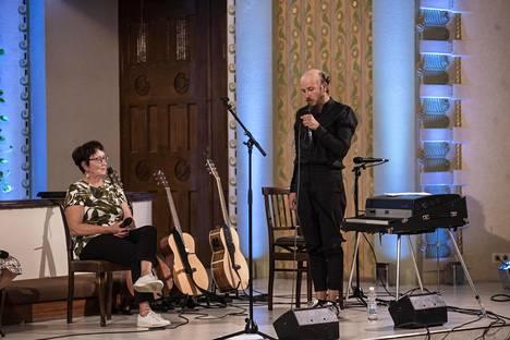 Samuli Putro esiintyi Kallion kirkossa viikkoa ennen 50-vuotissyntymäpäiväänsä 14. elokuuta. Kirkkokonsertin erikoisuutena oli haastatteluosuus Samuli Putron äidin Eira Putron kanssa.
