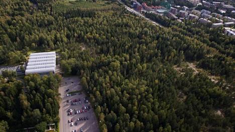 Uusi monitoimihalli aiotaan rakentaa Pirkkolan liikuntakeskuksen yhteyteen.