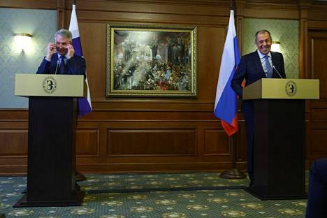 Ulkoministeri Pekka Haavisto ja Venäjän ulkoministeri Sergei Lavrov pitivät yhteisen lehdistötilaisuuden keskustelujensa päätteeksi.