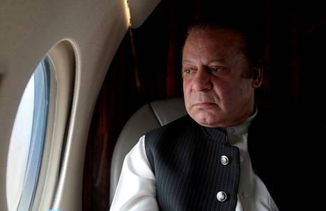 Pakistanin silloinen pääministeri Nawaz Sharif matkusti lentokoneella moottoritien vihkimistilaisuuteen helmikuussa 2017.