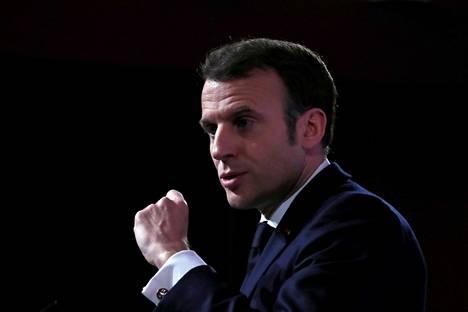 Ranskan presidentti Emmanuel Macron linjasi maan ydinasepolitiikkaa puheessaan sotilaskoulussa Pariisissa perjantaina 7. helmikuuta.