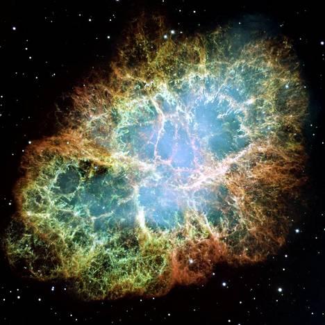 Kultaa ja platinaa taivaalle, Heikki Oja kuvailee. Supernovien räjähdykset rikastavat universumia raskaimmilla alkuaineilla. Niitä syntyy vain tähtien loppuräjähdyksissä.