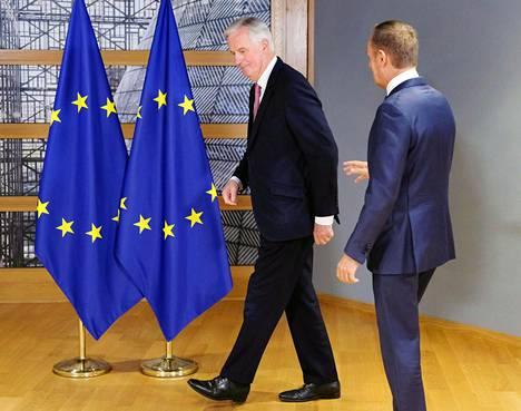 EU:n brexit-neuvottelija Michel Barnier ja Eurooppa-neuvoston puheenjohtaja Donald Tusk osallistuivat tapaamiseen Brysselissä Belgiassa tiistaina.