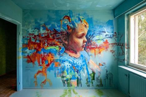 Taiteen kotitalo sisältää 94 taiteilijan taidetta. Kuvassa Jarno Sinivaaran teos.