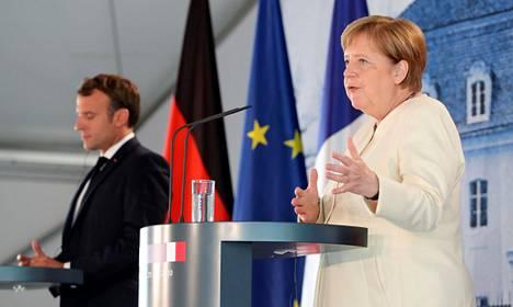 Saksan liittokansleri Angela Merkel ja Ranskan presidentti Emmanuel Macron tapasivat maanantaina Berliinissä ennen Saksan keskiviikkona alkavaa kautta EU:n puheenjohtajana.