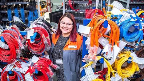 Liettualainen Renata Morkūnaitė on työskennellyt PKC:n tehtaalla Panevėžysissä vuodesta 2014. Hän uskoo, että yritys jää Liettuaan.