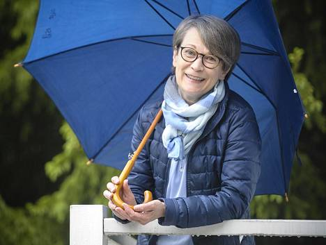 Eva Autio työskenteli viime vuoden kevääseen saakka Kivikossa Keinutien ala-asteella kouluterveydenhoitajana. Hänestä seksuaaliterveysasioista pitää jutella jo ala-asteikäisille.