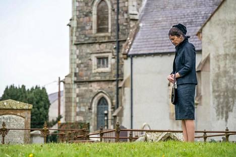 Leskeksi jäätyään Alison Wilson (Ruth Wilson) joutuu arvoituksellisten tapahtumien keskelle.