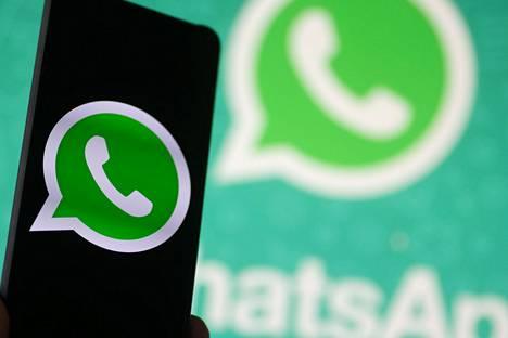 Pikaviestipalvelu Whatsapp ei enää toimi niissä Android- ja Iphone-puhelimissa, jotka tukevat tietyn ikäisiä käyttöjärjestelmiä.
