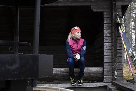 Kaisa Mäkäräinen kävi hiihtämässä Kontiolahden hiihtostadionin jäähdytetyllä ladulla 1. marraskuuta 2020.