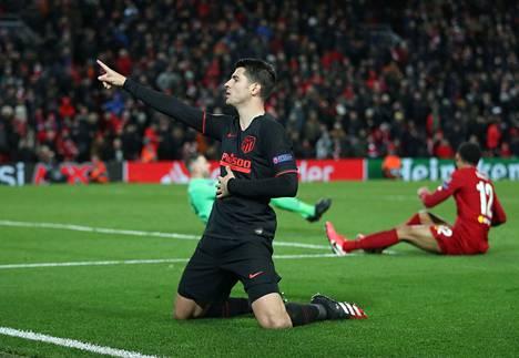 Alvaro Morata juhli tekemäänsä maalia, kun Atletico Madrid pudotti 11. maaliskuuta voittoa puolustaneen Liverpoolin jatkosta Mestarien liigassa