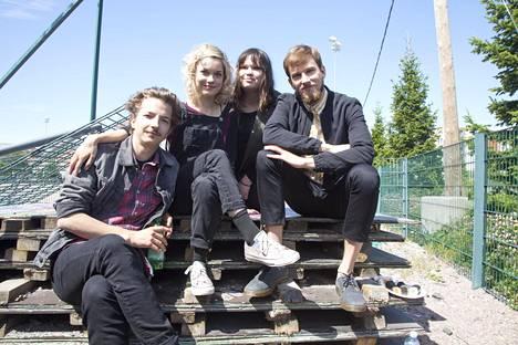 Sekasin-sarjan nuoria näyttelivät Elias Westerberg (vas.), Anna Böhm, Eveliina Hotti ja Anssi Niemi.