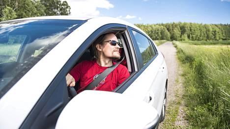 """Yhtenä kesänä Lehtiranta matkusti autollaan yhteen menoon Helsingistä Muonioon – testimielessä. """"Olin täysissä sielun ja ruumiin voimissa koko päivän. Aiemmin polttomoottorilla ajaessani koko kroppaa kolotti lyhyemmilläkin matkoilla. Silloin oli ajamisen jälkeen sellainen olo, että kaadun sohvalle tunniksi."""""""