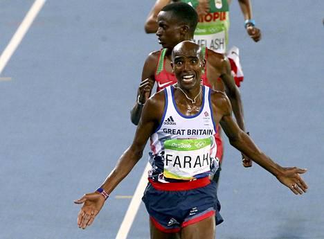 Mo Farah voitti kaatumisestaa huolimatta.