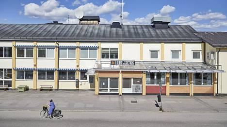 Jällivaara sulki epidemian vuoksi kirjastot, urheilupaikat ja museot. Kuva on viime keskiviikolta.