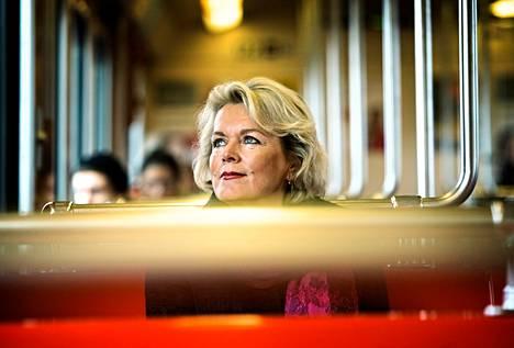 Suomen Mentoreiden hallituksen puheenjohtajan Raija Kemiläisen mukaan nuorten ja korkeakoulutettujen työttömyys on jäänyt sivuun vaalikeskustelussa.
