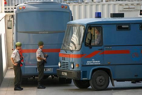 Vanginkuljetusautoja Turkin Antalyassa vuonna 2007.