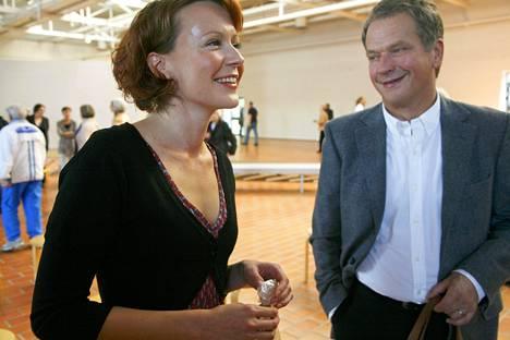 Jenni Haukio ja Sauli Niinistö Porin taidemuseossa Haukion runokirjan julkistustilaisuudessa syyskuussa 2009.