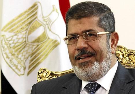Egyptin presidentti Muhammed Mursi tapaamisessaan Palestiinan presidentti Mahmud Abbasin kanssa Kairossa toukokuun puolivälissä.