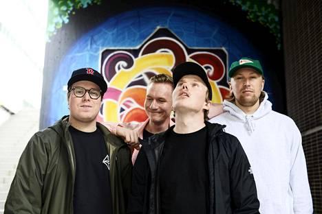 Helsinkiläinen rap-yhtye Gasellit eli Hätä-Miikka (vas.), MusaJusa, Päkä ja Thuge Hefner.