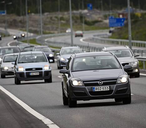 Kantatie 51:n muuttaminen moottoritieksi Kirkkonummella käynnistettiin elvytystuella 2009. Nyt elvytysehdotuksia sataa jälleen.