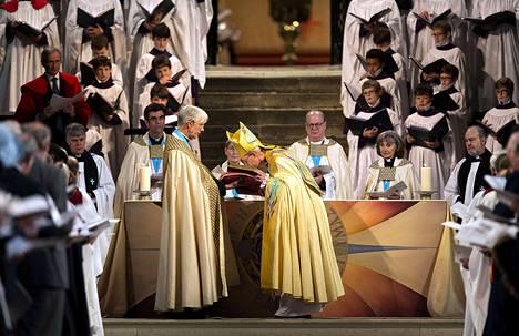 Canterburyn arkkipiispa Rowan Williams messussa Canterburyn katedraalissa viime maalikuussa.