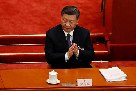Kiinan presidentti Xi Jinping kansankongressin avajaisissa perjantaina.
