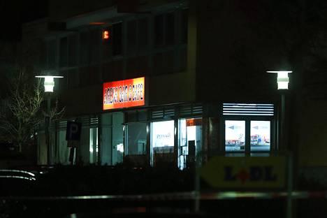 Ampumiset tapahtuivat kahdessa eri paikassa Hanaun kaupungissa Saksassa myöhään keskiviikkona.