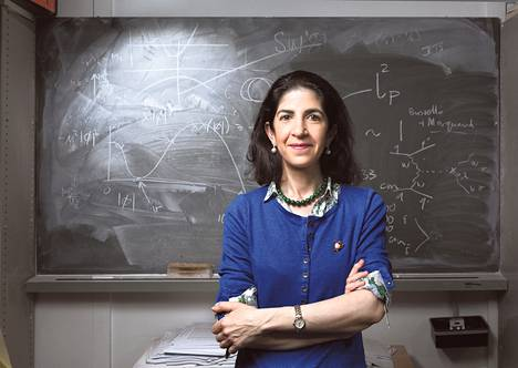 Fabiola Gianotti halusi jo lapsena tietää, mitä maailmankaikkeus on. Nyt hänellä on käsissään maailman parhaat välineet ja tutkijat sen selvittämiseksi.