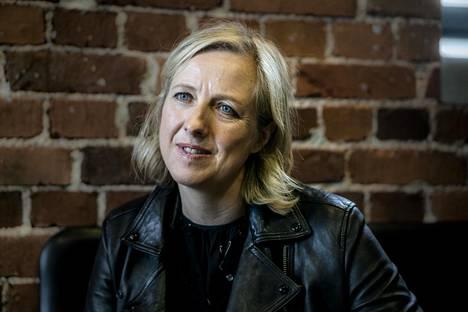 """Tutkiva toimittaja Carol Cadwalladr vaatii Facebookia paljastamaan tutkijoille kaiken brittien EU-eroa koskevan materiaalin. """"Ei voi olla niin, että yhden kansakunnan kohtalon kannalta keskeiset tiedot olisivat vain yhden yksityisen yhtiön hallussa."""""""