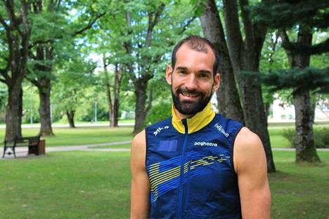 Thierry Gueorgiou kertoo yrittävänsä pysyä kunnossa, koska hän haluaa pystyä seuraamaan valmentamiaan urheilijoita läheltä.