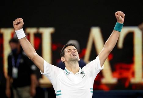 Novak Djokovic juhlii jälleen Australian avoimen tennisturnauksen voittoa.